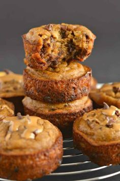 Flourless Peanut Butter Chocolate Chip Blender Muffins made with 8 every day ingredients. This soon to be favorite recipe's a quick mix in the blender for the easiest baking of your life! Paleo + Gluten Free + Low Calorie