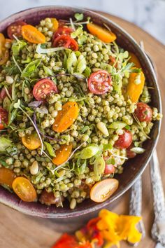 Sorghum Salad with Kale Pesto - Delicious light vegan and gluten free summer dish! | http://healthynibblesandbits.com #ad