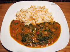 Zum Abendessen gabs für Curryfan Björn Spinat-Tomaten-Curry mit Linsen-Reis. Ultra gut!