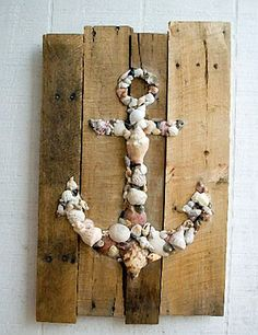 Pallet Art Natural Shell Anchor Wall Hanging.  This should be very easy to make.