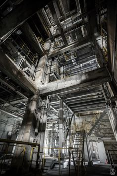 The Disused Huge Plant concept art interior inspiration factory interior Old Buildings, Abandoned Buildings, Abandoned Places, Abandoned Homes, Abandoned Castles, Bg Design, Abandoned Factory, Industrial Architecture, Old Factory
