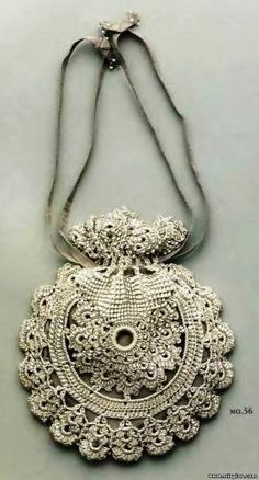 Crochet Bag - I Love this lil bag!