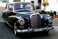 1960 Mercedes-Benz Typ 300 wallpaper