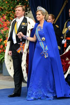 Queen Maxima and King Willem-Alexander at the coronation Princess Victoria Of Sweden, Crown Princess Victoria, Crown Princess Mary, Pretty Dresses, Blue Dresses, Queen Maxima, Royal House, Royal Fashion, Well Dressed