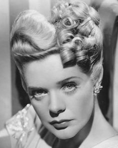 Alice Faye  ****  http://projects.latimes.com/hollywood/star-walk/alice-faye/ Looks like GMom^^^^^^^^^^
