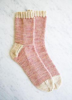 Pixel stitch socks - free knitting pattern by Purl Bee Knitting Stitches, Knitting Socks, Knitting Patterns Free, Knit Patterns, Free Knitting, Knit Sock Pattern, Mittens Pattern, Stitch Patterns, Simple Knitting