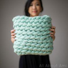 Chunky crochet cushion / pillow cover using merino roving