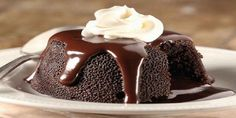 Molten chocolate lava cake – This is some of the best chocolate cake of my life. It's so rich, dense, and fudgy it reminds me of my favorite brownies. The lava cakes blow any restaurant molte… Food Cakes, Cupcake Cakes, Cake Cookies, Desserts Français, French Desserts, Lava Cake Recipes, Best Dessert Recipes, Dessert Food, Yummy Recipes