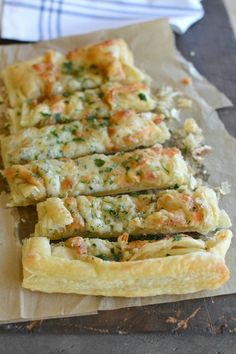 Puff Pastry Cheesy Garlic Bread Puff Pastry Cheesy Garlic Bread,breads Puff Pastry Cheesy Garlic Bread 5 appetizers and drink pastry recipes cabbage rolls recipes cabbage rolls polish Recipes Using Puff Pastry, Puff Pastry Recipes Savory, Puff Pastry Appetizers, Appetizer Recipes, Brunch Appetizers, Puffed Pastry Recipes, Puff Pastry Desserts, Puff Pastries, Recipes Dinner