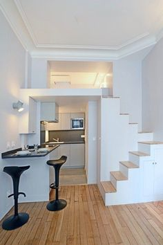 Small room design – Home Decor Interior Designs Space Saving Staircase, Small Staircase, Staircase Design, Staircase Ideas, Best Tiny House, Tiny House Plans, Small Room Design, Tiny House Design, Small Apartments