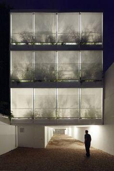 Adamo-Faiden > Edificio de viviendas 11 de Setiembre 3260