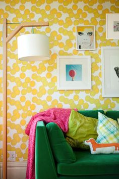 amazing removable wallpaper (this pattern would make great curtains in the dining room)