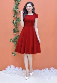 Asian girl with a red dress Modest Dresses, Simple Dresses, Elegant Dresses, Pretty Dresses, Beautiful Dresses, Casual Dresses, Short Dresses, Red Dress Casual, Dress Formal