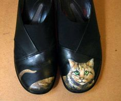 Mousebreath Magazine - Lifestyle Magazine by Cats, for Cats and Cat Lovers Romans 10 15, Cat Shoes, Painted Shoes, Cat Face, Your Shoes, Cat Lovers, Upcycle, Trending Outfits, Mona Lisa