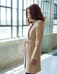 """Elizabeth Holliday's coats, in rich colors and textured fabric, are """"minimalist with an edge. Rich Colors, Minimalist, Coats, Fabric, Jackets, Fashion, Tejido, Down Jackets, Moda"""