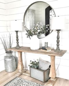Farmhouse Living Room Decor Ideas - These Stunning Living Areas with Farmhouse Decor will certainly take your breath away. The colors, structure, accessories will inspire you for days! Style Deco, Farmhouse Wall Decor, Farmhouse Design, Modern Farmhouse, Farmhouse Entryway Table, Farmhouse Style, Farmhouse Lamps, Farmhouse Interior, Farmhouse Ideas