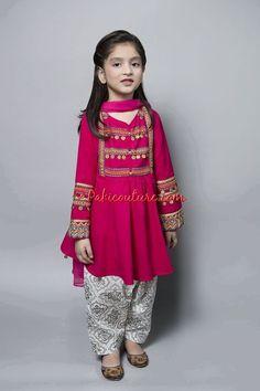 Kids Dress Wear, Kids Gown, Little Girl Dresses, Baby Dresses, Kids Wear, Girls Frock Design, Baby Dress Design, Baby Frocks Designs, Kids Frocks Design