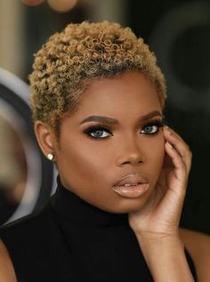 Get help planning your hair regimen - Haare Stylen Natural Hair Short Cuts, Short Natural Haircuts, Short Curly Hair, Short Hair Cuts, Curly Hair Styles, Natural Hair Styles, Natural Hair Twa, Pixie Natural Hair, Shaved Natural Hair