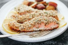 Hazelnut-Crusted Salmon with Roasted Potatoes and Brussels Sprouts//a thought for food Salmon Recipes, Fish Recipes, Seafood Recipes, Seafood Dishes, Smoked Salmon Breakfast, Breakfast Bowls, Healthy Weeknight Dinners, Quick Easy Meals, Dinner Recipes For Kids