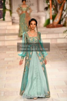 Bridal Drees Indian Couture Week New Ideas Pakistani Couture, Pakistani Bridal Dresses, Indian Couture, Indian Dresses, Indian Bridal Fashion, Indian Wedding Outfits, Indian Outfits, Indian Designer Outfits, Fashion Clothes