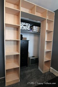 Built+in+Bookshelves+Around+a+Closet