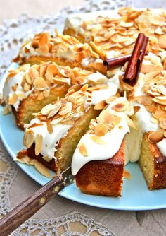 » Sticky Lemon & Greek Yoghurt Cake (Revani)