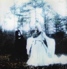 23 years old, struggling with Japanese, posting oldschool vk stuff mostly Images Terrifiantes, Arte Emo, Arte Grunge, Arte Peculiar, Sarah Moon, Forest Fairy, Cybergoth, Aesthetic Grunge, Faeries
