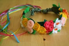 Felt flower garland tutorial