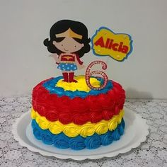 Bolo Mulher Maravilha - 15 ideias para você se inspirar! - Guia Tudo Festa - Blog de Festas - dicas e ideias! Wonder Woman Birthday Cake, Wonder Woman Cake, Wonder Woman Party, Girl Superhero Party, Superhero Cake, Fondant Girl, Cake Fondant, Superman Cakes, 4th Birthday Cakes