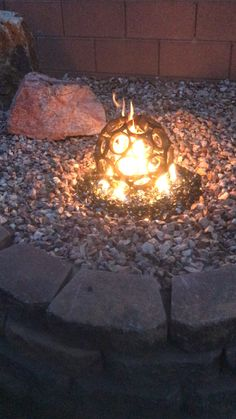 From auto gear rings.any diameter any gas fire feature.small ones cool in fireplace in groups fire pits videos Meteorite fire sculpture Diy Projects Metal, Fire Pit Video, Painted Outdoor Furniture, Man Cave Metal, Gear Ring, Recycled Metal Art, Glass Fire Pit, Gear Art, Welding Art