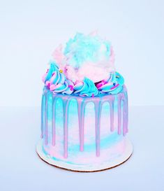 Let me introduce you to the cotton candy cake! It seriously tastes like cotton candy 🍭🍬🍭 it's so delicious! This weekend I'll be spending… Beautiful Birthday Cakes, Beautiful Cakes, Amazing Cakes, Cotton Candy Cakes, Cotton Candy Party, Pretty Cakes, Cute Cakes, Yummy Cakes, Unicorne Cake