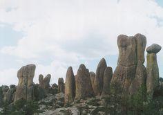 Sierra Madre. Chihuahua (Méjico). Disyunción columnar por diaclasamiento en granitos, Autora: Inmaculada Fernández Martínez. #geology #geologia #ICOG