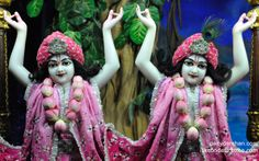 To view Gopinath Close Up Wallpaper of ISKCON Chowpatty in difference sizes visit - http://harekrishnawallpapers.com/sri-sri-nitai-gaurachandra-close-up-wallpaper-007/