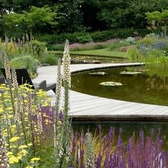 Another of Ian Kitsons gardens. So very tranquil and the design looks effortless, which usually means it took quite a bit of work, but worth it as I'm sure you will agree.  Image courtesy of the SGD awards (society of garden designers)
