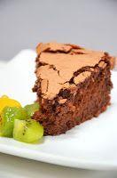 Ça faisait longtemps que je n'avais pas trouvé une recette de gâteau au chocolat qui me plaise autant ! Adopté ! Gâteau Bellevue de ...
