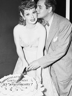 Lucille Ball and Desi Arnaz - I Love Lucy Great Love Stories, Love Story, Classic Hollywood, Old Hollywood, Hollywood Couples, Hollywood Wedding, Hollywood Icons, Hollywood Glamour, Hollywood Stars