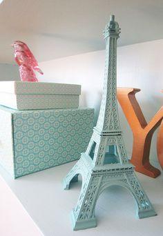 The Eiffel tower looks even prettier in mint! #hintofmint