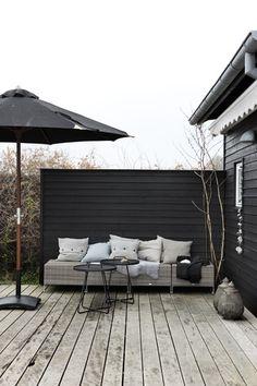 Beach House Inspiration - Patio www. Beach House Inspiration - Patio www. Outdoor Furniture Sets, Summer House, Outdoor Rooms, Outdoor Space, Outdoor Inspirations, Home, Outdoor Design, Black House, Outdoor Spaces