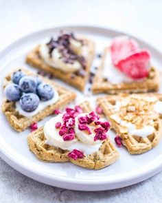 Sunne, proteinrike sandwichvafler – Karoline Marberg Waffles, Breakfast, Food, Morning Coffee, Essen, Waffle, Meals, Yemek, Eten