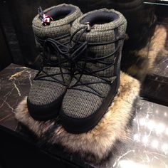 Boots - Moncler homme #new #now #followme #cute #like #boots #moncler #ski #mens #homme #fashion #style #mode #luxe #neige #good