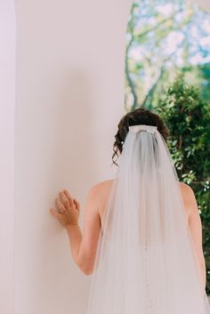 Veil with bow detail. bride getting ready photos Cape Town wedding photographers