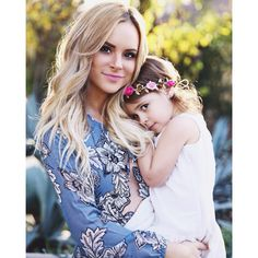 Amanda Stanton & daughter, Kinsley. Mother daughter photos by Little Red Rose Photography