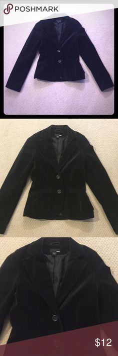 H&M Velvet Blazer in Black Size 4 H&M velvet blazer in Black Size 4. Worn once for job interview. Two pockets in front and three buttons on each sleeve. Frames waist nicely. H&M Jackets & Coats Blazers