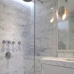 A look at #luxury #bathroom #design to start @TileTuesday! Once again,  @laurahammett.interiors has proven her #interiordesign prowess. The #marble #tile is supremely elegant and #contemporary. #Instalove! // #tiles #tiled #interior #architecture #interiors #interiordesign #idcdesigners #homedesign #homedecor #interiordecor #tileporn #naturalstone #instadecor #tileaddiction #bathroomdesign #interiordecorating #interiorstyling #spa #instahome #interiorinspo #designer