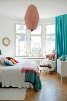 Lovely bay window -- Decorating a small apartment