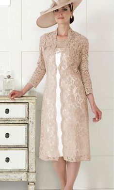 Dress Code From Fab Frocks Dress Code by Veromia – Mother Of The Bride Outfits Mother Of Bride Outfits, Mother Of Groom Dresses, Mother Of The Bride, Brides Mom Dress, Elegant Dresses, Beautiful Dresses, Nice Dresses, Frock Dress, Lace Dress