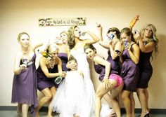 Fun wedding party picture. So totally something me and my friends would do:)