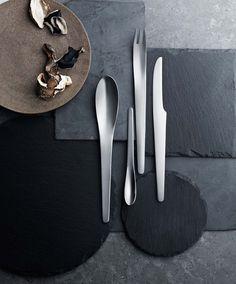 Maak van uw diner een gelegenheid om te onthouden met het bestek van Georg  Jensen. Prachtige messen 0c183d3e24