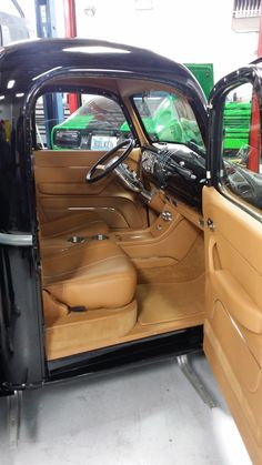Custom Truck Interior Autos 26 Ideas For 2019 1946 Chevy Truck, Lifted Chevy Trucks, Chevy Pickups, Silverado Truck, Lifted Ford, Chevrolet Silverado, Classic Pickup Trucks, Old Pickup Trucks, Custom Car Interior