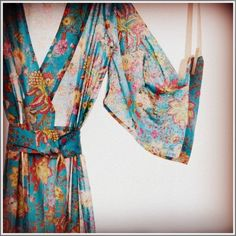 pretty robe. colors are gorgeous!